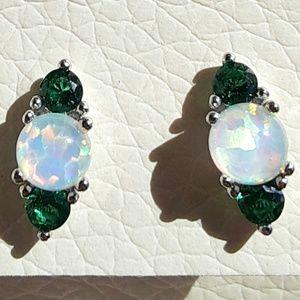 NEW Women's Emerald Fire Opal Silver Earrings